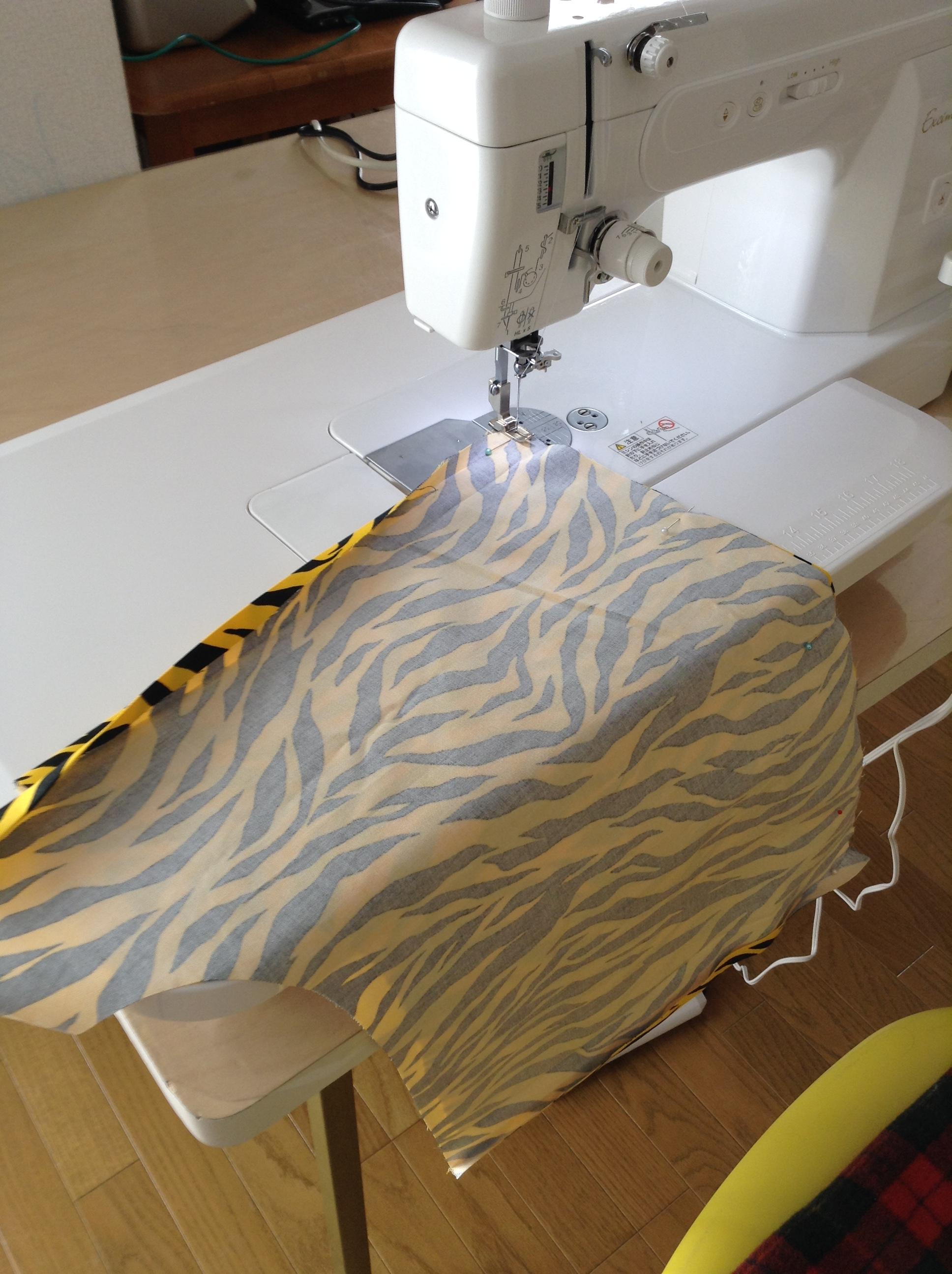 職業用ミシン・エクシムプロで節分の鬼のパンツを製作